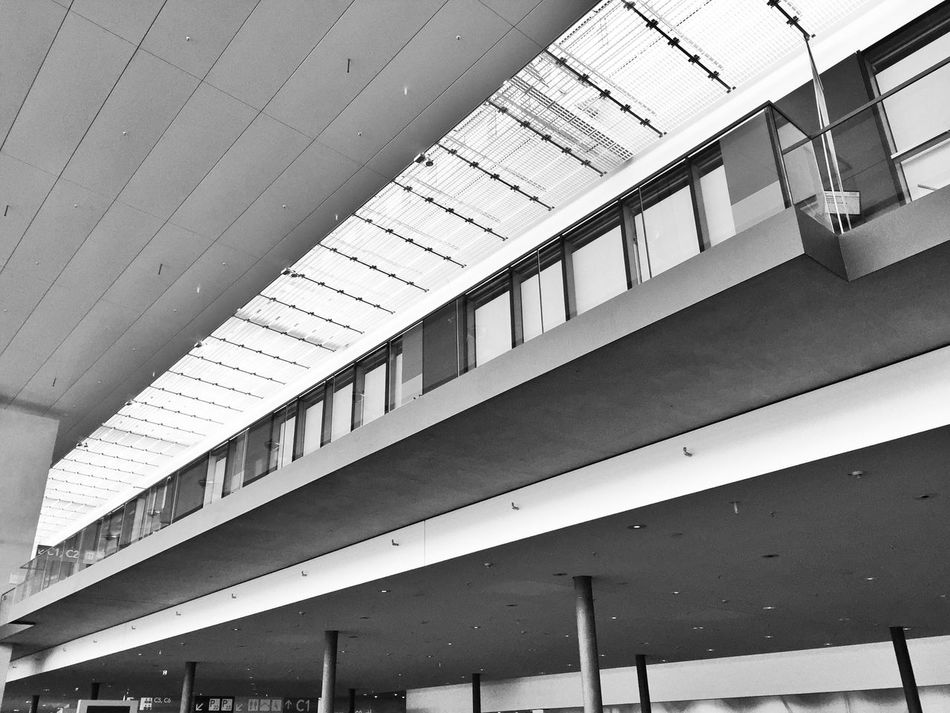 perspektiven Architecture Built Structure Low Angle View Indoors  Black And White Lines And Shapes