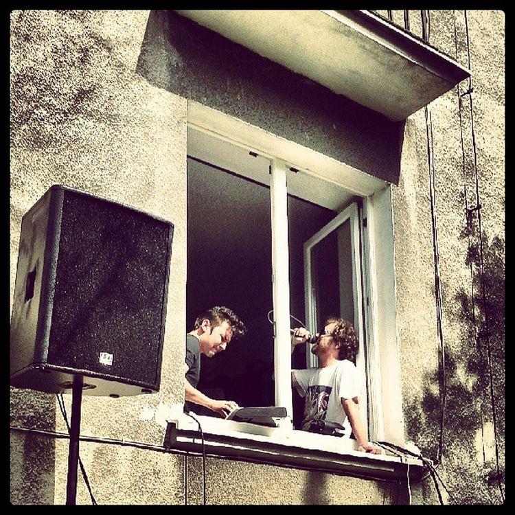Dick4dick koncert w oknie Streetwaves