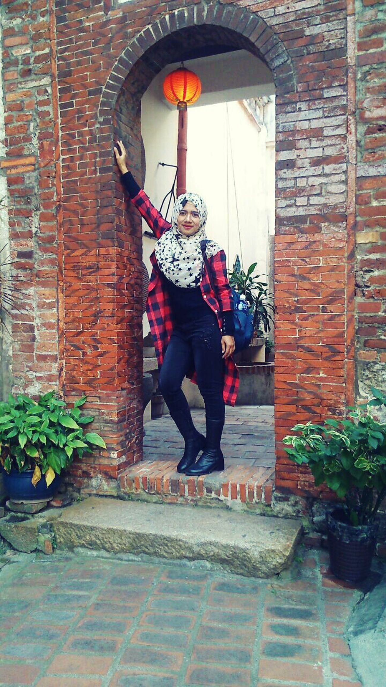 Full Length One Person Outdoors Hijabselfie Hijab Style Women First Eyeem Photo WeatherPro: Your Perfect Weather Shot Asiangirl It's Me Only Women Eye4photography  Simple Elegance EyeEm Gallery Headshot
