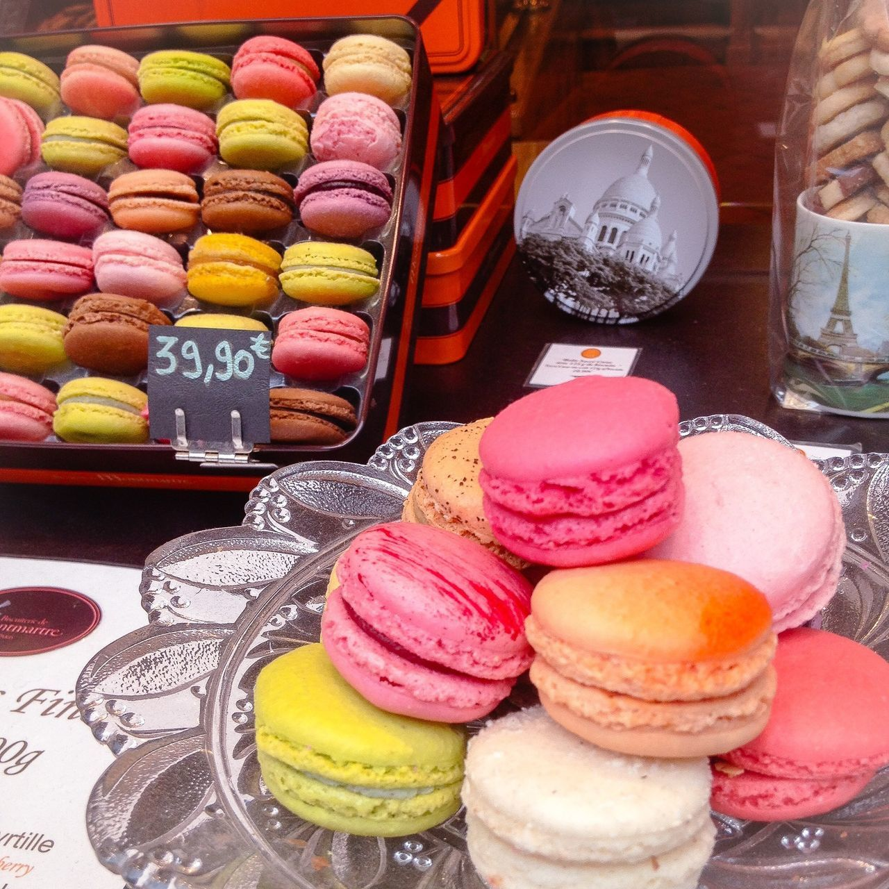 Good Things Come In Small Packages With Lightcase Sweets Macarons Beautiful ♥ Treats Gift The Perfect Gift Pastel Power