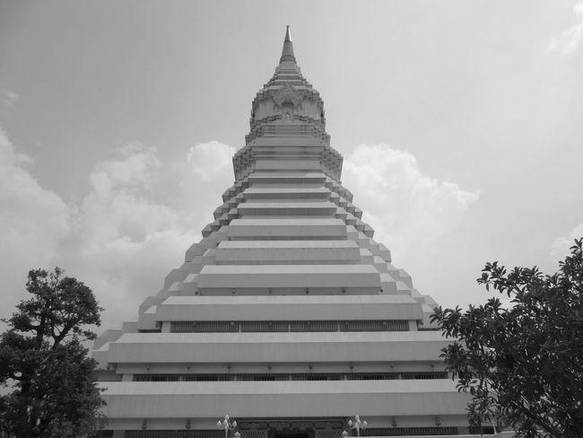 /พระมหาเจดีย์มหารัชมงคล @Wat Pwak Num. Urban Sculpture Photo Of The Day.r Taking Photos Thailand_allshots EyeEm Thailand .
