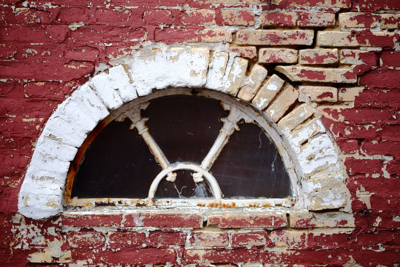 Architectural Detail Architecture Beauty Of Decay Brick Wall Chipping Paint Circle Closed Erosion Eye4photography  EyeEm Best Shots EyeEm Gallery Flaking Paint Hello World House Mysterious Old Ornaments Paint Red And White Shabby Spalling The Architect - 2017 EyeEm Awards Traditional Wall Window