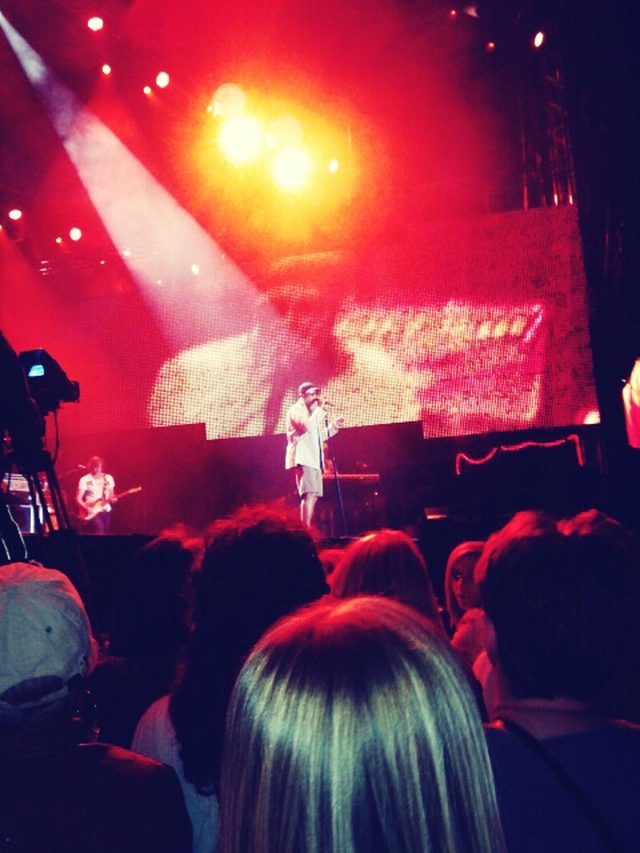 Das war am Samstag den 24 . August. Xavier Naidoo Konzert in HH Wilhelmsburg. Und es war so genial :)