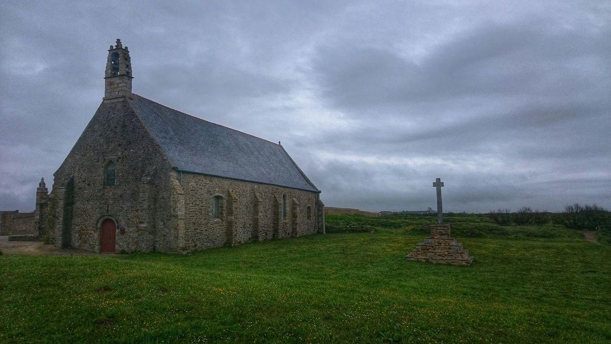 Phare De Brest Phare Breton Phare Phare Saint Mathieu Pointe Saint Mathieu Saint Mathieu Lighthouse Abbaye Eglise Church