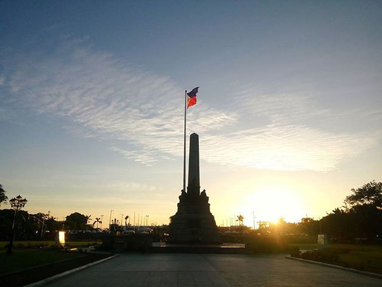 Monument Luneta RizalPark Manila Philippines Monument Snapseed Mobigraphy Park Alcatelflash2 Urban Manila, Philippines The Street Photographer - 2016 EyeEm Awards