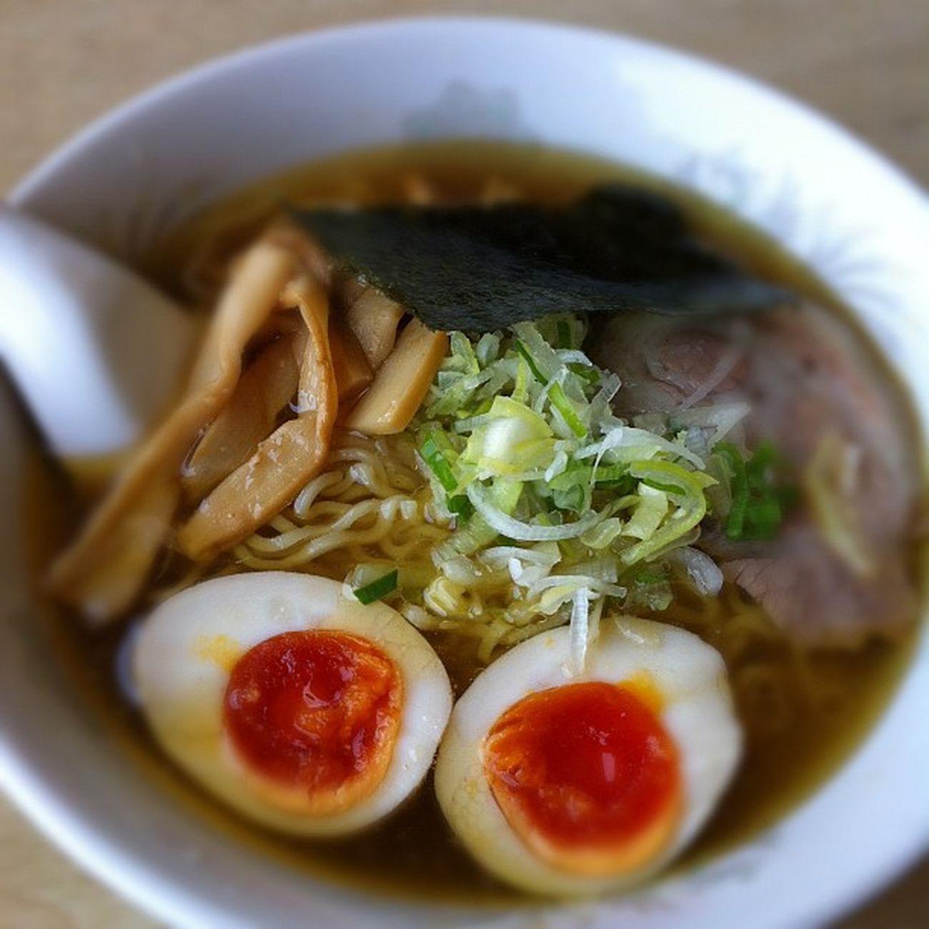 煮玉子ら〜めん650円。自家製麺プリプリ、スープも旨い♪