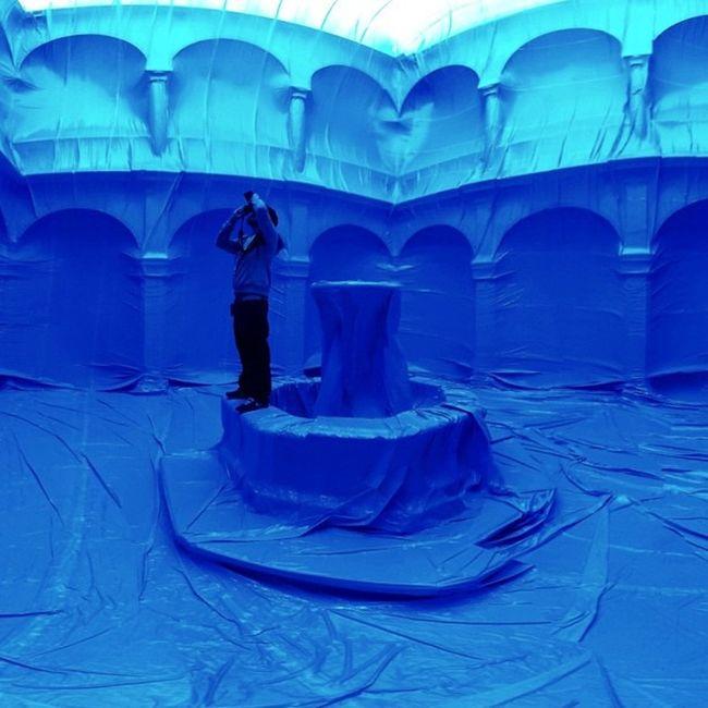 Esta tarde a las 19h inauguramos el nuevo Penique en el Museo de la Ciudad Cloister Claustro Artinstallation Peniqueproductions Cutoutfest Elclaustro Air Penique Art Cof2011 Blue Mexico Plastic Querétaro Inflatable  Azul