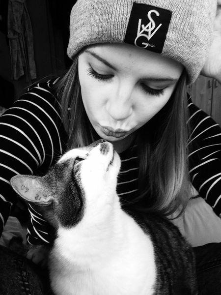 Cat Love My Cat Blackandwhite Me And My Cat ❤ Girl