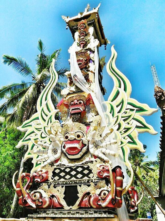 """This is call """"BADE MAS"""" it is 15 metres high, all hand made, its took 3 months to finish it, it is the """"vehicle"""" to bring the human bone during cremation ceremony in Bali. Bademas Cremationceremony Culture Tradition Hindu Bali INDONESIA Colosal Sacral Art Architecture Balinesse Bali Theislandofgods"""