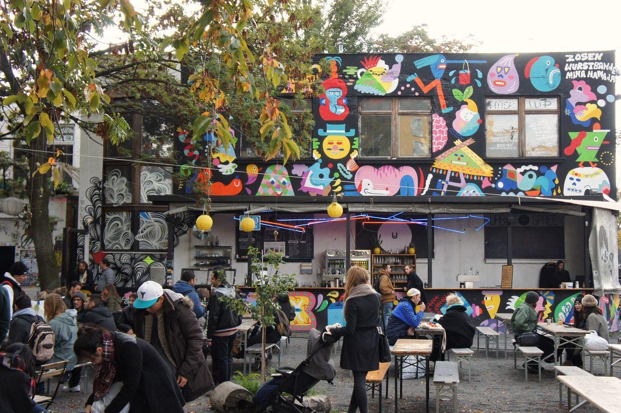 Capture Berlin Berlin Multi Colored Schule School Bench Table