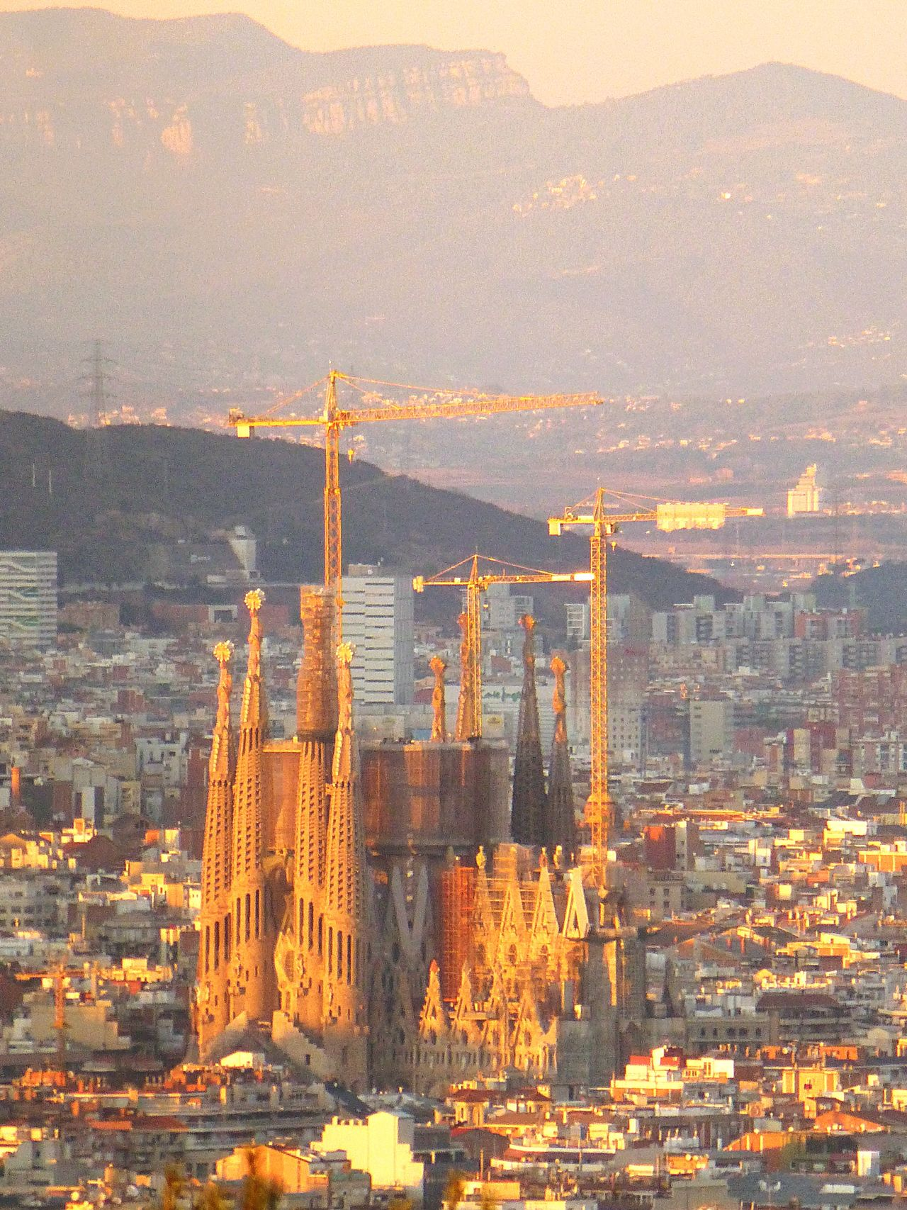 Amazing gaudi City Architecture Cityscape Building Exterior Gaudi #barcelona Gaudi Gaudì Architecture Work Sagrada Familia Sagradafamilia Built Structure Travel Destinations Skyscraper Aerial View No People Sunset Outdoors Day
