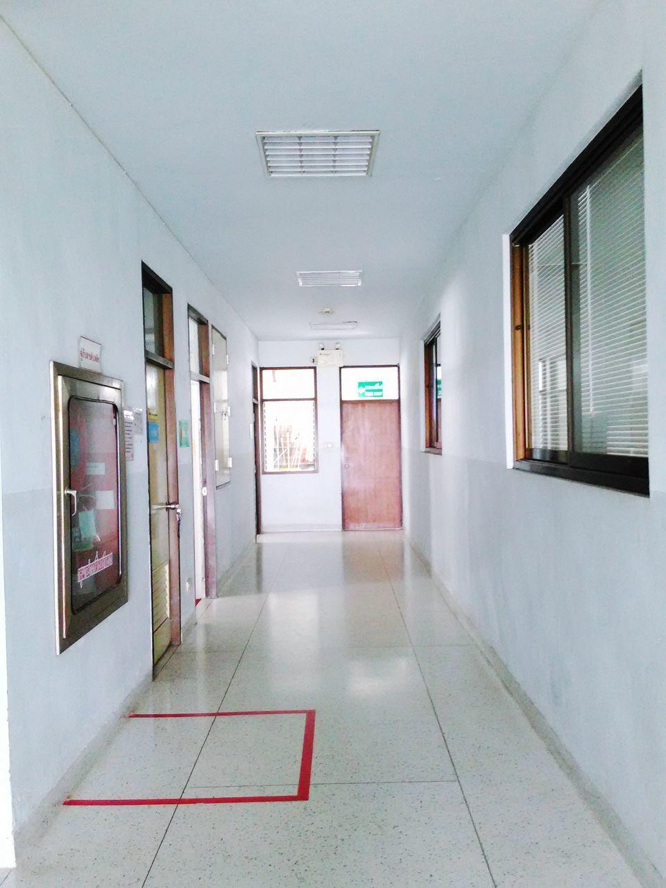 empty, indoors, corridor, the way forward, door, architecture, no people, built structure, day