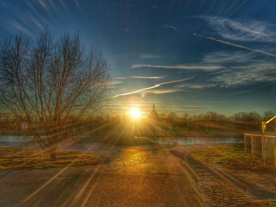 HDR Dresden Elbufer Sun