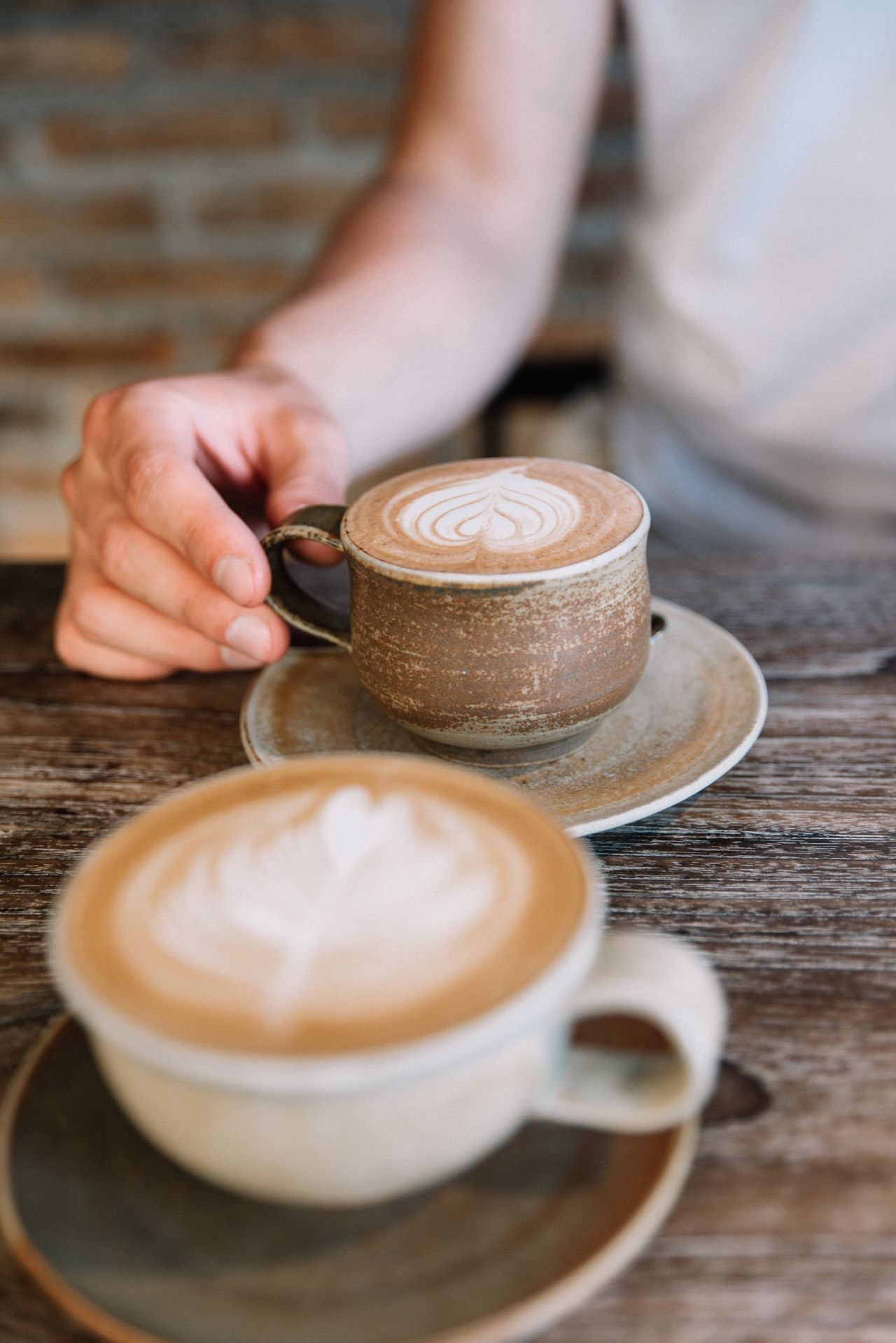 Coffee ☕️ Coffee - Drink Drink Coffee Cup Table One Person Human Hand Frothy Drink Froth Art Human Body Part Latte Cafe Real People Holding EyeEm Best Edits EyeEm Gallery EyeEm Best Shots EyeEmBestPics Date Coffee Time Coffee Break Latte Art Live For The Story