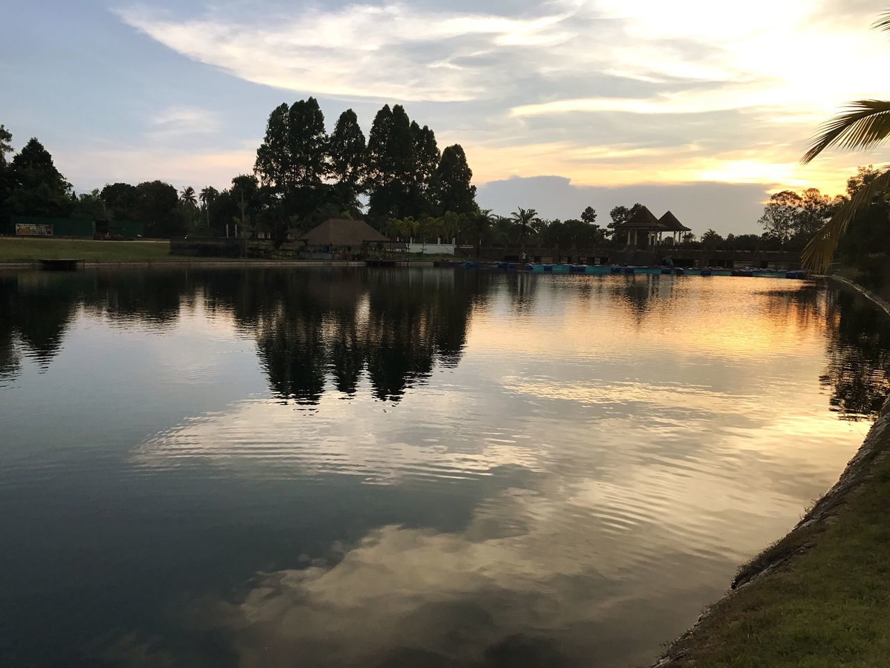 reflection, sunset, water, scenics, nature, sky, cloud - sky, tranquil scene, lake, tree, tranquility, beauty in nature, outdoors, no people, architecture, day