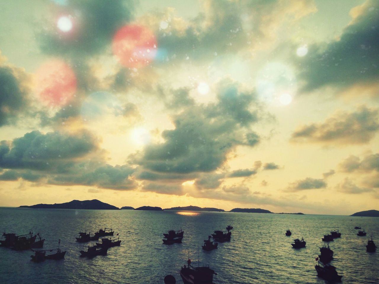 water, sea, sky, sunset, beach, nature, scenics, beauty in nature, silhouette, tranquility, outdoors, vacations, leisure, horizon over water, no people, day