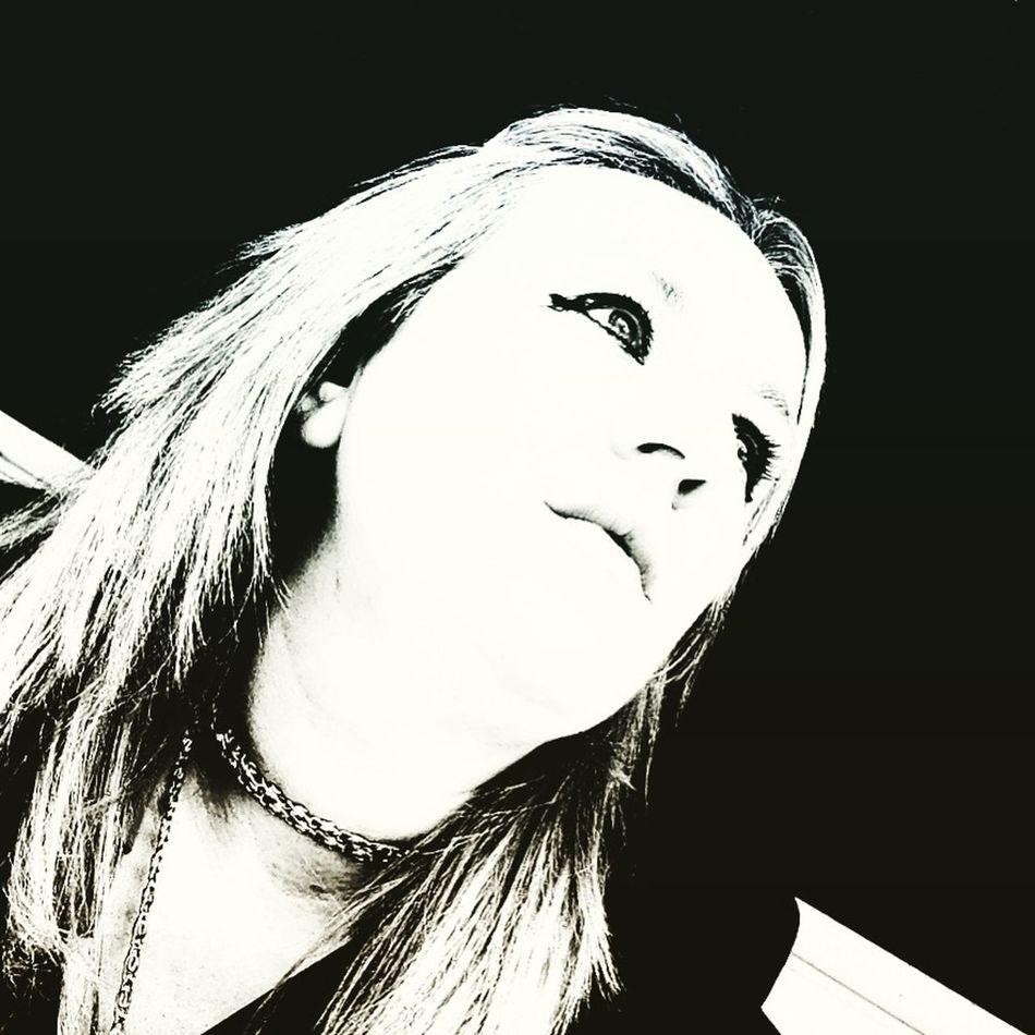 Black And White Blackandwhite Hello World EyeEmTurkey Faces Of EyeEm 🙏🏻🙏🏻💕💕💕👯👯👯 ❤️❤️❤️ Whıte Love huzur Turkey Black