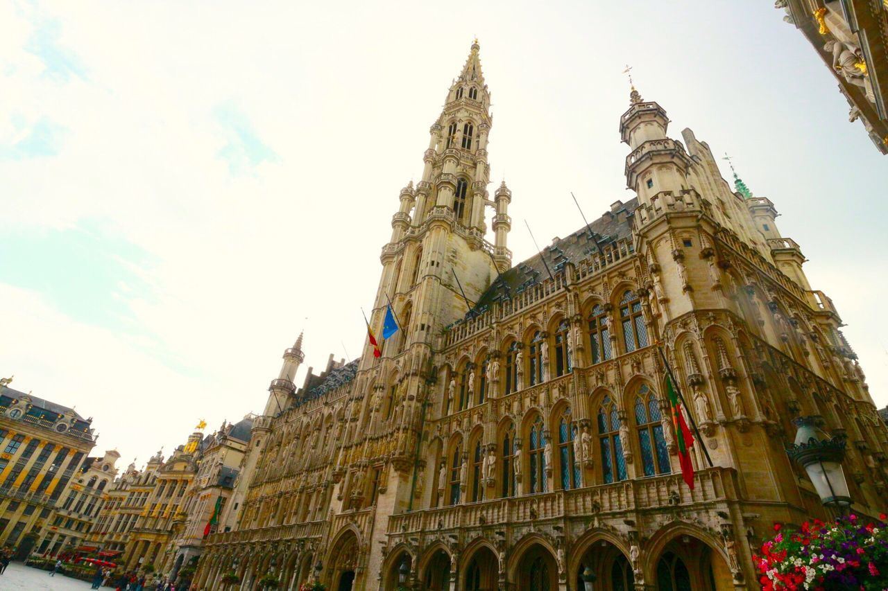 Check This Out Hanging Out Hello World Relaxing Taking Photos Enjoying Life Trip Traveling Travel View Sky And Clouds Taking Photos Building Buildings Architecture Bruxelles Brussels Grand Place Buildings & Sky
