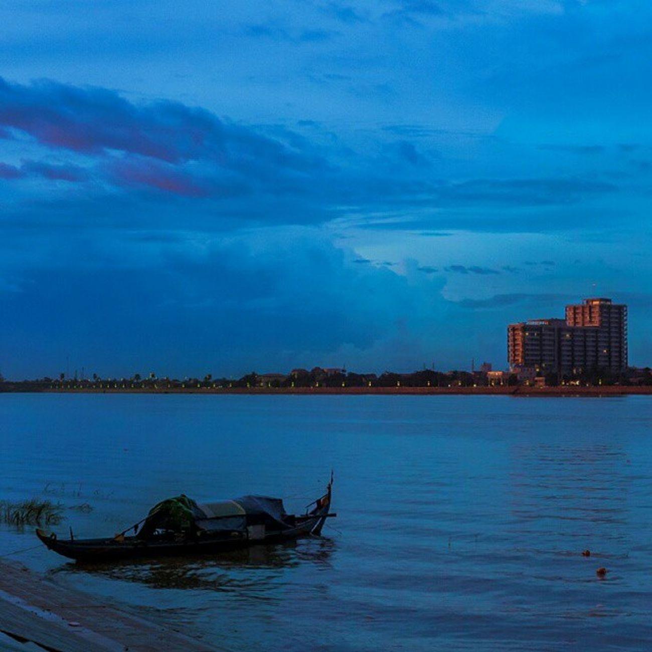 Somewhere In Phnom Penh Phnom Penh River Mekong Mekong River Tonlesap Phnom Pehn Cambodian Only In Cambodia In Cambodia Cambodge Kampuchea Cambodia Cambodia Tour Phnom Phnompenh. Phnompenh