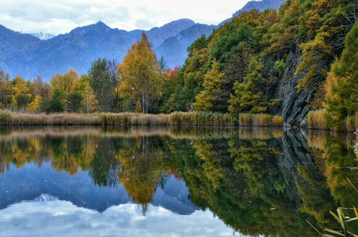 Peace And Quiet Hello World Valle D'aosta Autumn Autumn Collection Autumn Colors Mountains Aostavalley Lake View Lake Taking Photos EyeEm Gallery Nature_perfection Landscape_Collection Landscape_photography EyeEm Best Shots - Nature EyeEmBestPics Beautiful Nature EyeEm Nature Lover