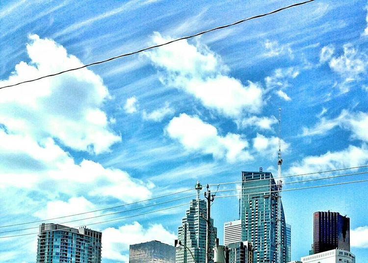 Windy Day Skycrapers Sky And Clouds Things I Like Toronto Landscape Electric Wire High Angle View Lines And Shapes Skycraper In The Clouds Up Close Street Photography The Architect - 2016 EyeEm Awards Colour Of Life Color Palette The City Light