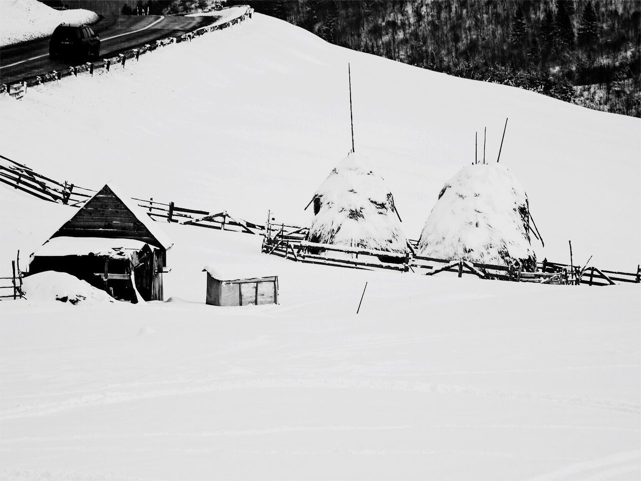 Snow Winter Cold Temperature White Color Built Structure Building Exterior Weather House Architecture Nature Covering Mountain Travel Frozen Outdoors No People Beauty In Nature Day Scenics Snowing