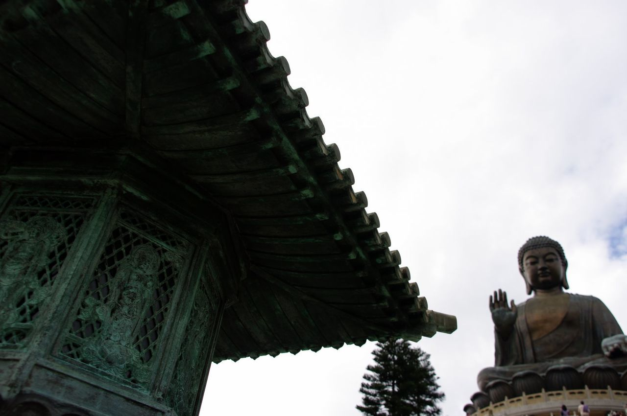 HK memories, 2009 Arch Architectural Feature Architecture Art Art And Craft Carving - Craft Product Cloud - Sky Creativity Day Famous Place History Human Representation Low Angle View Monument Mythology Outdoors Place Of Worship Religion Sculpture Sky Spirituality Statue Temple - Building The Past Tian Tan Buddha (Giant Buddha) 天壇大佛