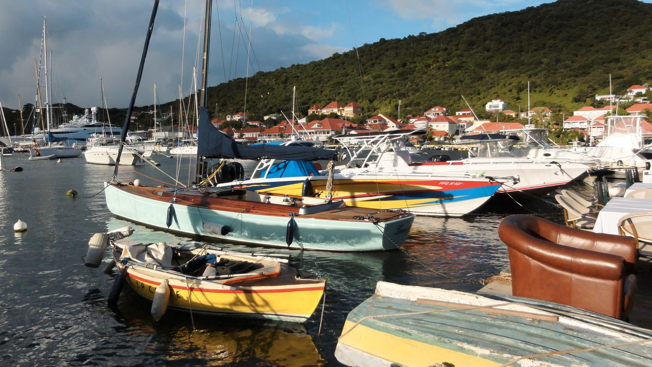 Hanging Out Enjoying Life At The Harbour Harbour Boats Sunny Day St.Barths Gustavia