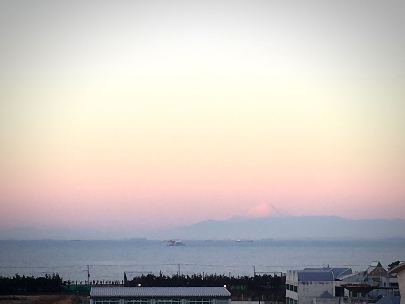 Mount Fuji Views In The Distance Mount FuJi Outdoors Tokyo Bay Tokyo Ocean View Chiba Sea Sunrise New Year New Year Around The World New Year 2017 Japan