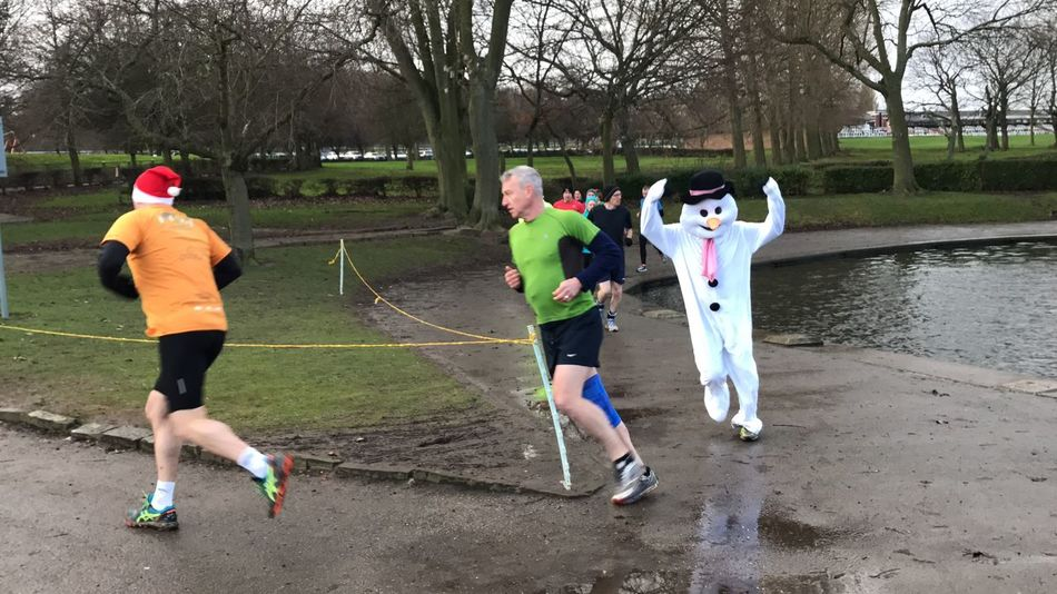 Parkrun Full Length Sports Clothing Tree Running Healthy Lifestyle Sport Snowman Running Vitality Competition People Competitive Sport Adults Only Day Friendship Adult Outdoors Rivalry Real People Exercising Only Men