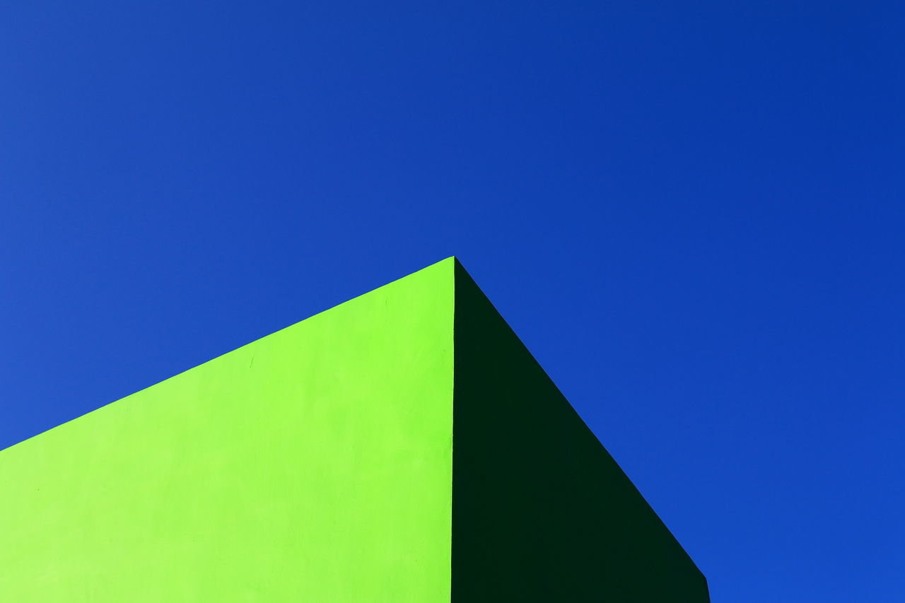 abstract Architecture backgrounds blue Blue Wave building exterior built structure color palette colour of life Copy Space first eyeem photo geometry getting inspired Green color Hanging out Hello world Low angle view minimalism Minimalist Architecture outdoors simple photography simplicity sky Taking Photos Tranquility The City Light EyeEmNewHere