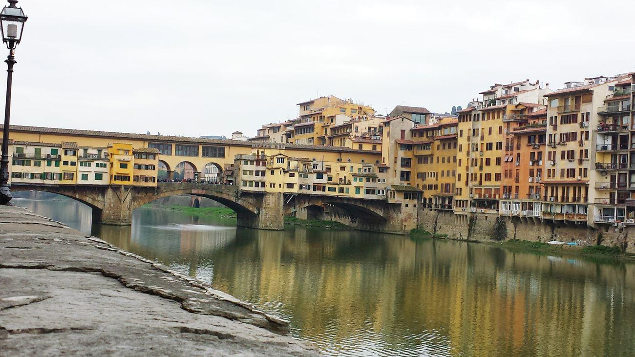 Firenze Ponte Vecchio Arno  Ilovetuscany Loveitaly Proudtobeitalian First Eyeem Photo