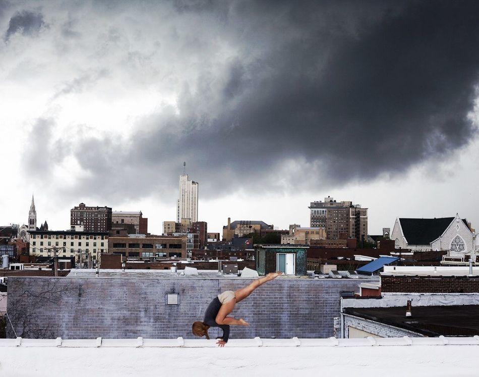 Beautiful stock photos of yoga, 40-44 Years, Architecture, Balance, Building Exterior