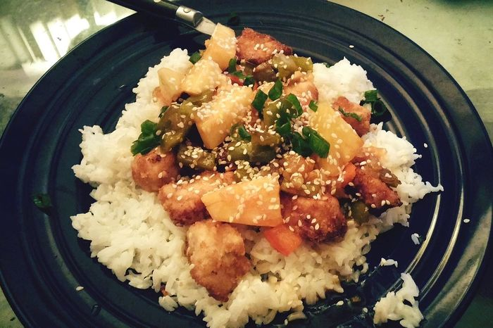 Sweet and sour pork....I love that Pete is getting so much use from the nifty wok I bought him for Christmas....💜🍴
