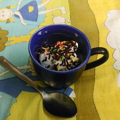 Midnightsnack Rainbow Sprinkles Vanilla teacup