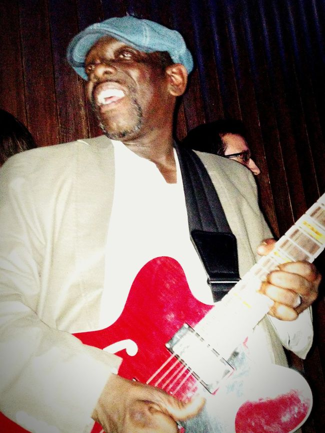 Let me introduce you the genius of the blues Mr. Lucky Peterson