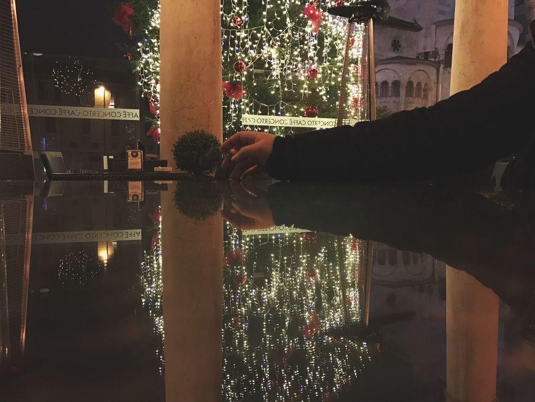 Hand Christmas Tree Christmas Lights Ghirlandina Modena Piazza Grande Smoke Outdoors EyeEm Best Shots EyeEm Gallery Bestoftheday EyeEm Best Edits EyeEm Masterclass