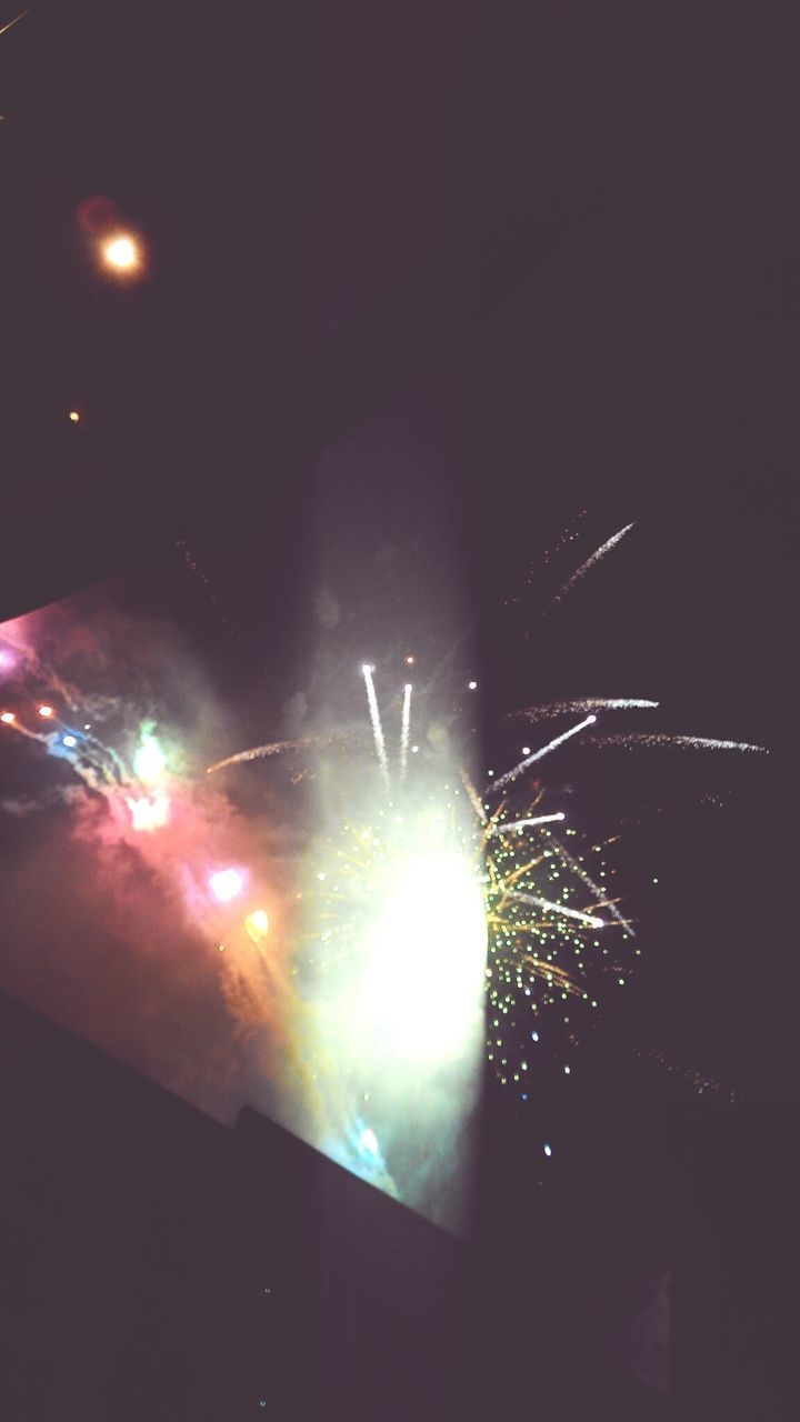 arts culture and entertainment, night, illuminated, event, glowing, celebration, exploding, firework - man made object, firework display, long exposure, performance, nightlife, no people, outdoors, close-up