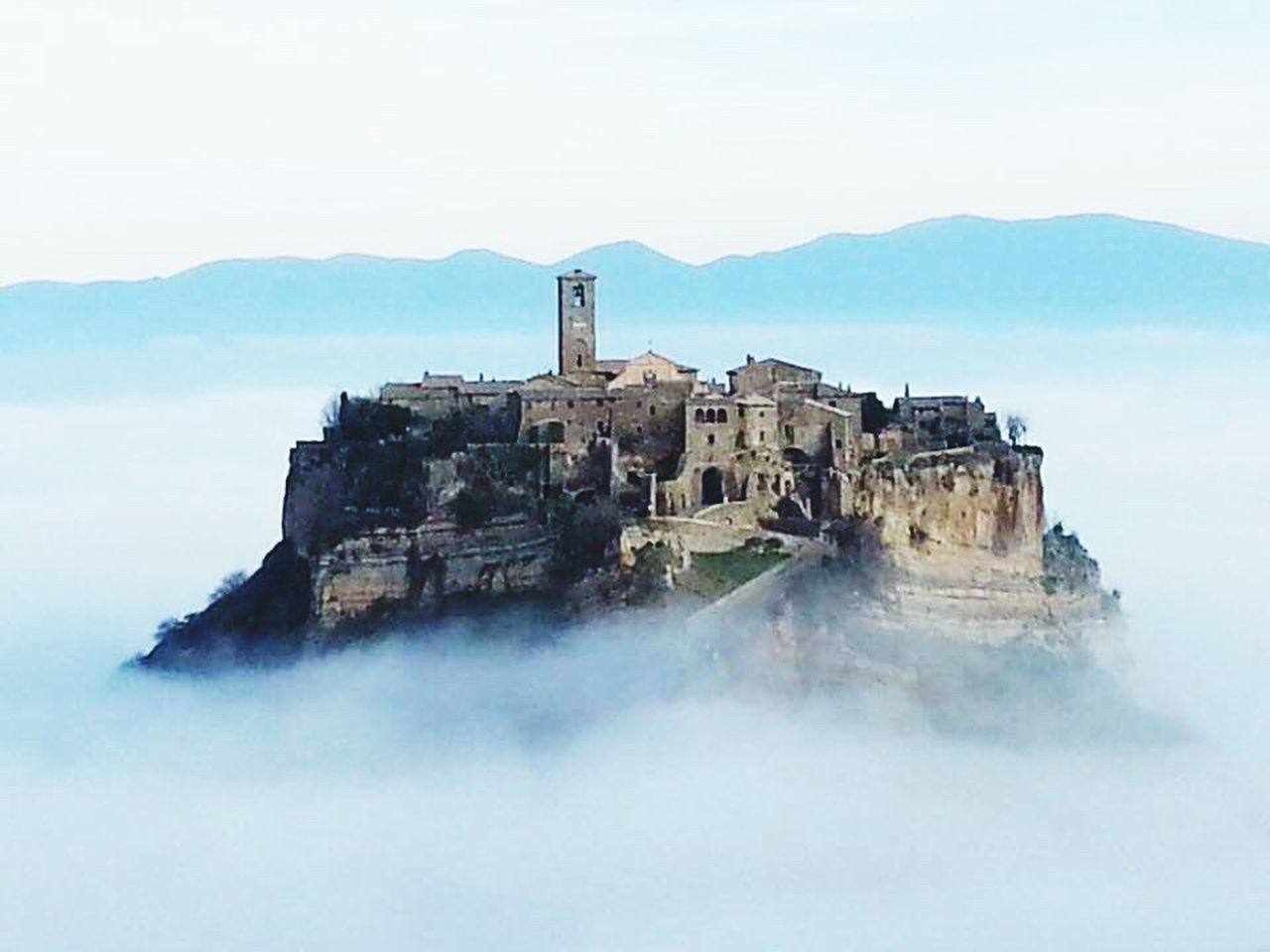 Bagnoregio Civita Di Bagnoregio Sky History Architecture Outdoors No People Enjoying Life Mobile Photography  Cloudy Cloud_collection  Cloud Porn c Cloudporn Dreaming Building Exterior Mobilephoto