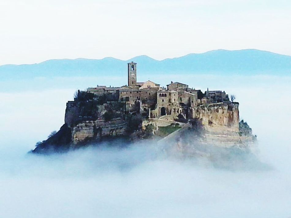 Bagnoregio Civita Di Bagnoregio Sky History Architecture Outdoors No People Enjoying Life Mobile Photography Cloudy Cloud_collection  Cloud Porn c Cloudporn Dreaming Building Exterior Mobilephoto The Secret Spaces The Spaces The Space