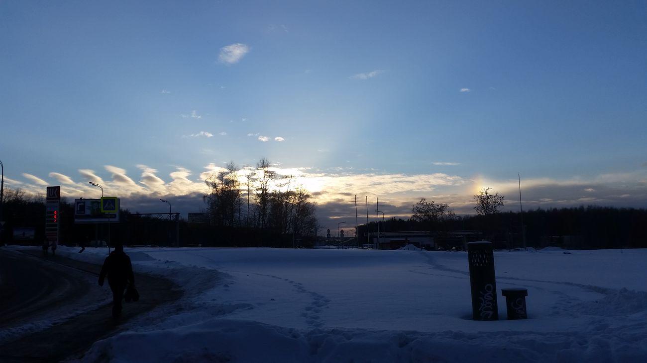 Moscow Russia Россия Russia 2017 Тропарево Sun Sunset Sunset #sun #clouds #skylovers #sky #nature #beautifulinnature #naturalbeauty #photography #landscape