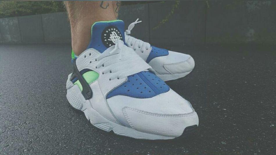 Nike Air Huarache OG Scream Green '14 ×Sind irgendwelche Sneakerheads aus Heilbronn hier vertretten?× Sneakersaddict Solehunter SneakerPorn Sneakerlove Sneakers Addict Nikeairhuarache.
