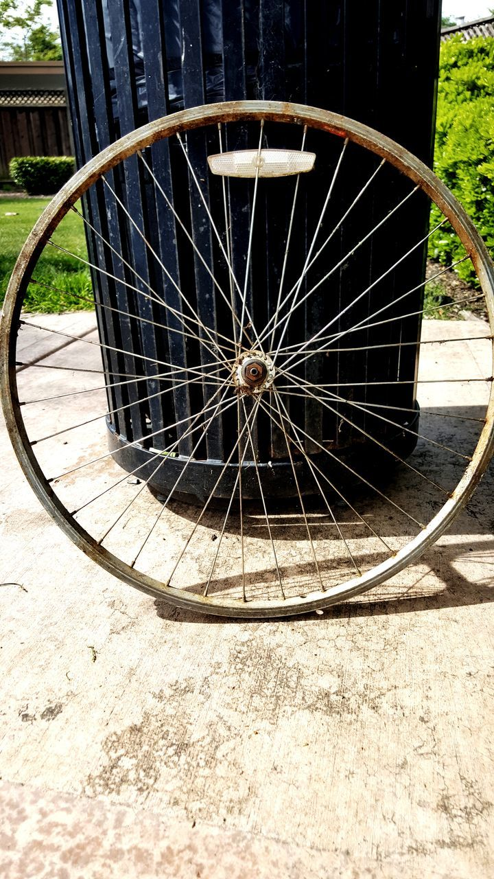 wheel, day, old-fashioned, outdoors, sunlight, spoke, no people, wagon wheel, low section, close-up