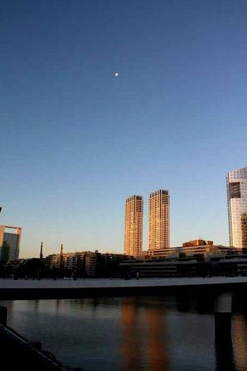 Atardecer en Puerto Madero - Buenos Aires. Afternoon Buildings Moon Puerto Madero Bridge River