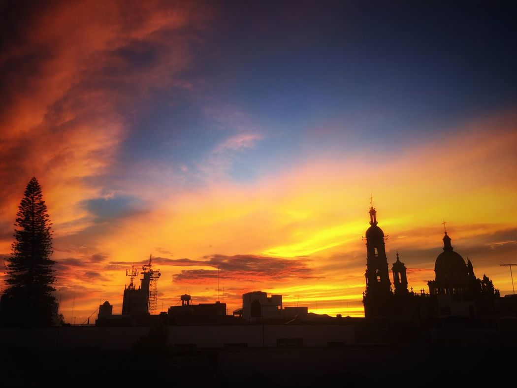 Templos Mágicos Sky Low Angle View Outdoors No People Tranquility Beauty In Nature Night Sunset_collection Sunset Sunset #sun #clouds #skylovers #sky #nature #beautifulinnature #naturalbeauty #photography #landscape Aguascaliente's Sunset Mexico_maravilloso Architecture