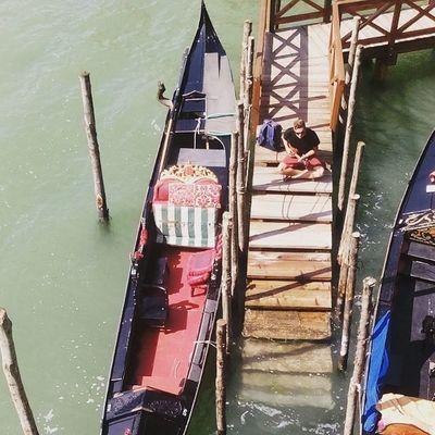 Venezia Piazzasanmarco Gondole Chitarre Laguna