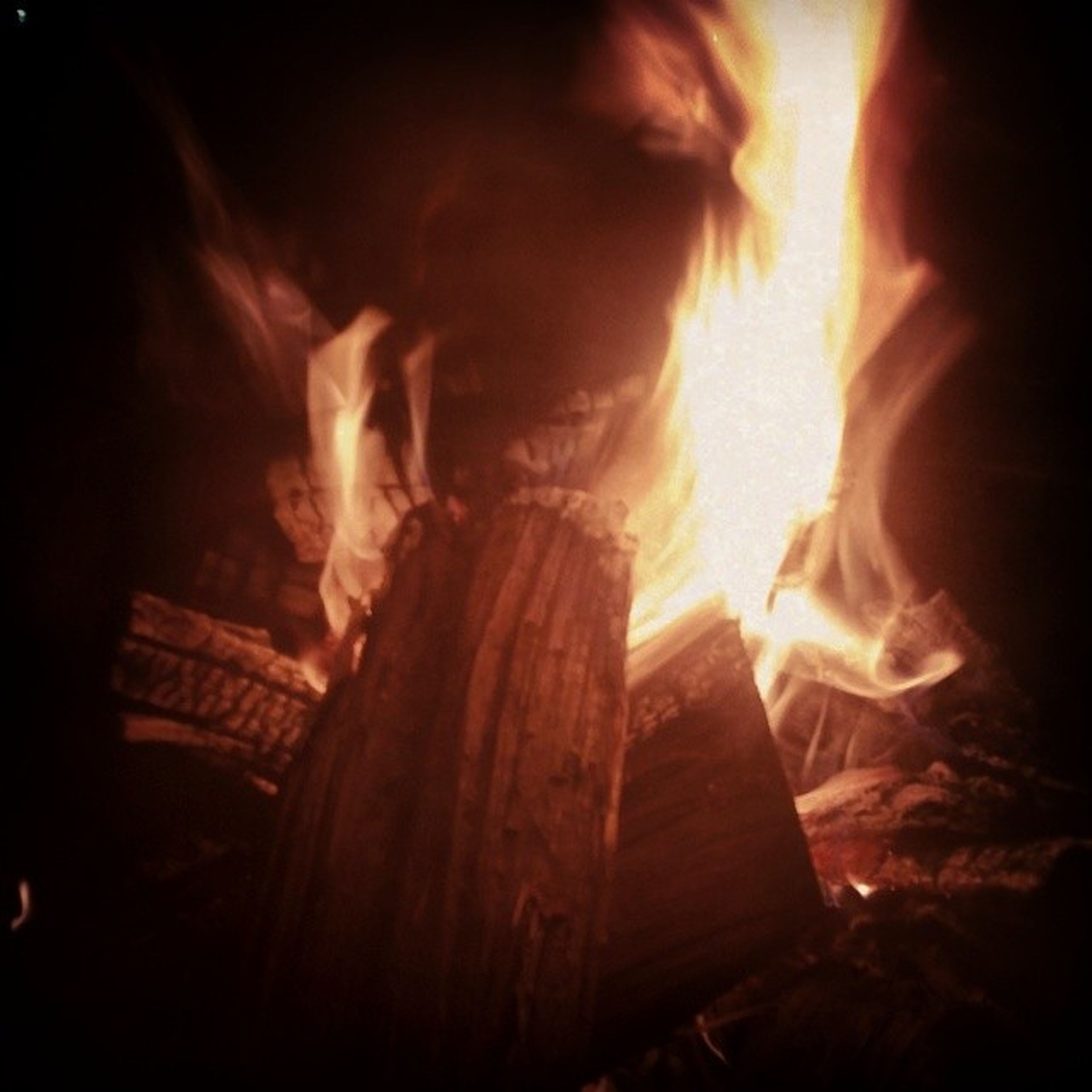 flame, burning, fire - natural phenomenon, heat - temperature, night, glowing, bonfire, fire, illuminated, firewood, light - natural phenomenon, dark, wood - material, smoke - physical structure, heat, outdoors, no people, long exposure, campfire, motion