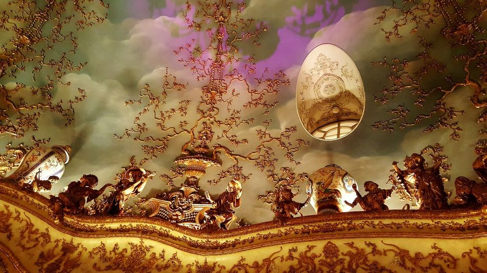 No People Chinese Figurine Luxury Lifestyle Turandot Russia Moscow Restaurant Posh Turandot Restaurant Moscow Luxury Beautiful Ceilings Baroque Baroque Style Rococostyle Rococo Rococò Style Indoors  Ceiling Architecture Golden Posh Restaurant Indoors