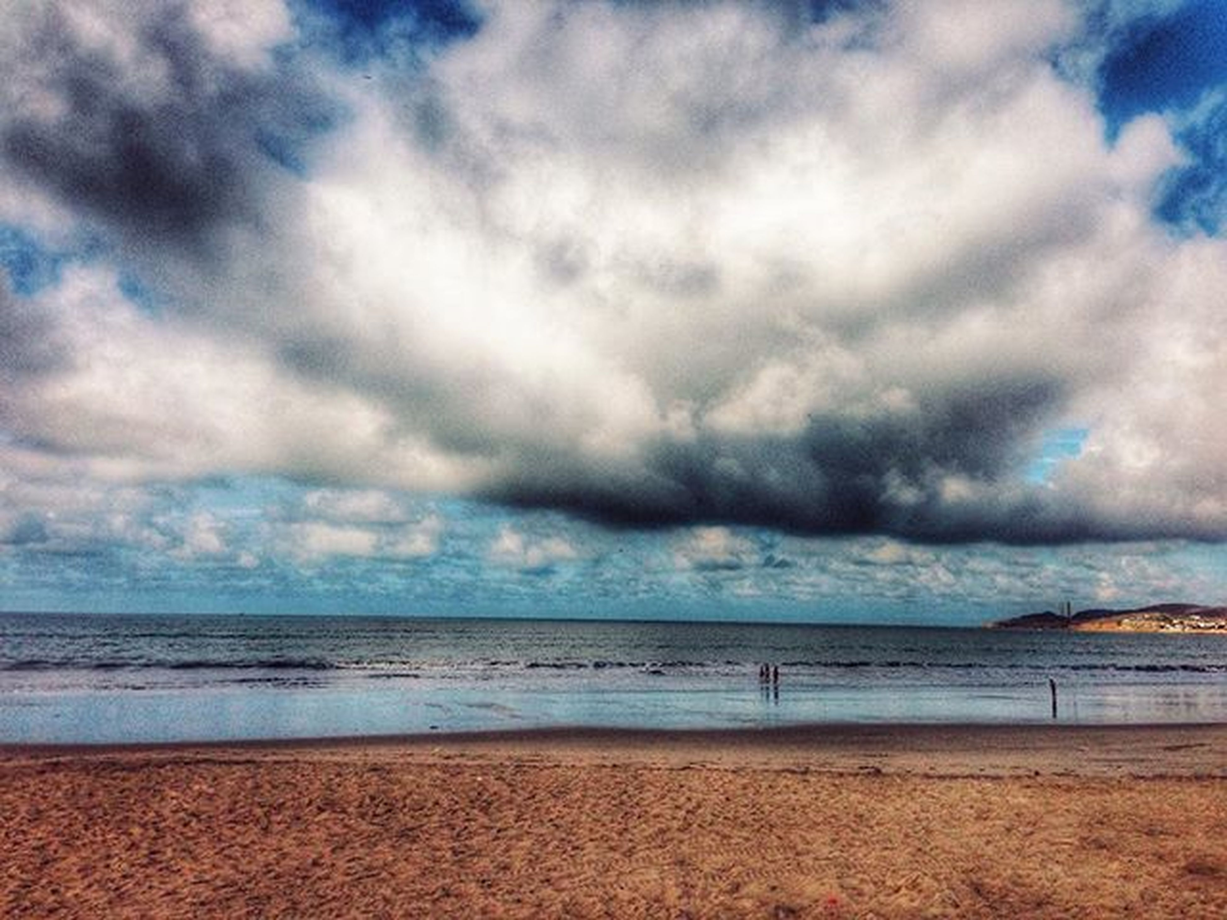 sea, sky, horizon over water, beach, cloud - sky, water, scenics, tranquil scene, cloudy, tranquility, beauty in nature, shore, nature, weather, cloud, sand, idyllic, overcast, storm cloud, coastline