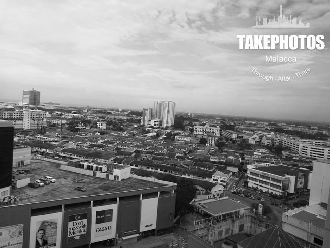 I just realised that the view up here is so magnificent. Using monochrome camera from my HuaweiP9 seems to bring the beauty of the view. Thank you dear Lord for everything. Huaweimobilemy Melaka Malacca Blacknwhite Huaweiphotography Heritage Monochrome Photography Monochrome Historical City